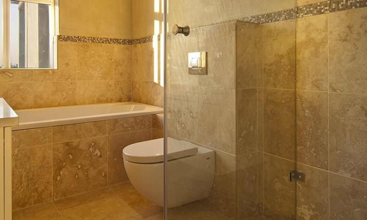 salle-de-bain-travertin